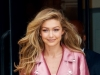 Barbie, in marime naturala! Gigi Hadid, senzationala, intr-o tinuta roz din cap pana in picioare - FOTO