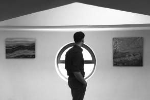 S-a nascut intr-o zi cu Da Vinci si impartaseste aceeasi pasiune pentru arta. La 27 de ani, Damian Furdui este pictor, director, profesor si cauta perfectiunea in culori - FOTO