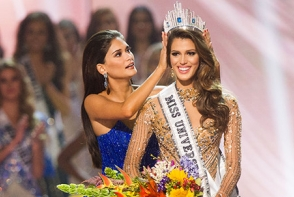 E plina de alunite, dar ar putea fi Miss Univers! Vezi cat de deosebita arata - FOTO
