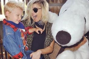 Fiul lui Fergie este cel mai frumos si stilat copil de vedeta. Blondinul cu ochi albastri fura inimile tuturor - FOTO