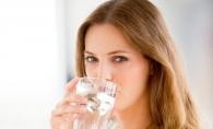 Este foarte important sa te hidratezi pe timp de canicula. 10 semne ca nu o faci corect - FOTO
