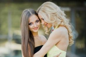 Catalina Popovici, fiica interpretei Irinei Bivol, este make-up artist si ne-a oferit cateva sfaturi de frumusete! Afla daca ii este usor sa o machieze pe mama sa - FOTO