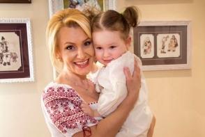 Fetele-cochetele: Lorena Bogza, impreuna cu fiica sa, Daria. Uite cat de mare a crescut - FOTO