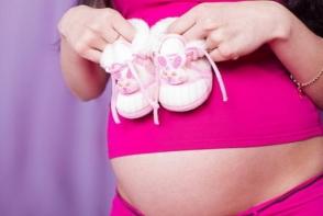 Festivalul gravidutelor, la Chisinau! Iata cum au defilat viitoarele mamici in costume de baie - VIDEO