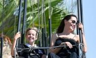 Shiloh, fiica mai mare a Angelinei Jolie, se simte mai bine ca baiat. Cum arata in cele mai noi imagini, la 11 ani - FOTO