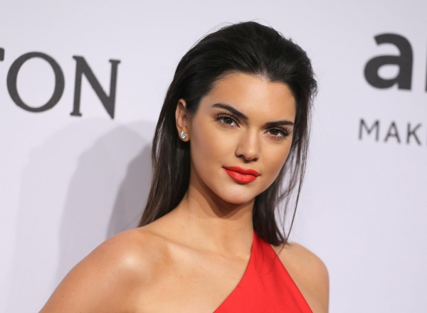 Kendall Jenner, criticata pentru o poza scandaloasa! Selfie prea intim - FOTO
