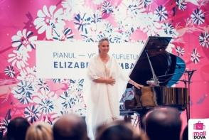 Faimoasa pianista Elizabeth Sombart a sustinut un recital in centrul comercial Shopping Malldova - VIDEO