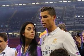 Cristiano Ronaldo va deveni tata pentru a 4-a oara! Fotbalistul a confirmat ca iubita lui este insarcinata - FOTO