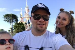 Garik Harlamov si Kristina Asmus, alaturi de fetita lor, la DisneyLand. Uite cu cine seamana micuta Anastasia - FOTO
