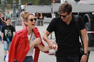 Celin Dion este tot mai apropiata de dansatorul ei! Sa fie inceputul unei relatii ? - FOTO