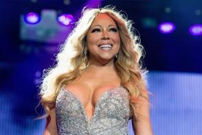 Aparitie ridicola pe scena. Mariah Carey a aparut intr-o tinuta care nu o avantajeaza deloc - FOTO