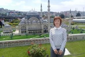 S-a vindecat de CANCER in stadiul 4, chiar daca medicii din Moldova nu-i dadeau nicio sansa. Afla de la Olesea Saratura cum a invins boala - VIDEO