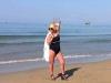 Victoria Lungu, sexy la mare. Vedeta a intrat cu tocurile direct in apa - FOTO