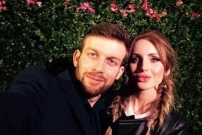 Katalina Rusu si-a surprins frumos logodnicul: