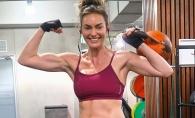 Cu patratele si pe burtica de gravida! Vezi ce antrenoare fitness ridica zeci de kilograme la sala de forta fiind insarcinata - VIDEO
