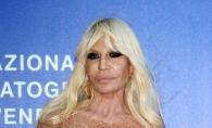 A fost criticata intens pentru felul in care arata chipul ei. Cum a aparut in urma cu putin timp Donatella Versace - FOTO