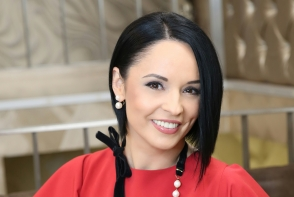 Fiica Andreei Marin a crescut si este o adevarata domnisoara. Cum a fotografiat-o pe micuta Violeta - FOTO