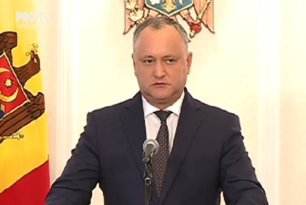 Igor Dodon interzice militarilor sa iasa din tara la exercitii fara acordul sau. Presedintele cere demisia viceministrului Apararii, Gheorghe Galbura, dupa ce militarii moldoveni au plecat la exercitiile din Ucraina - VIDEO