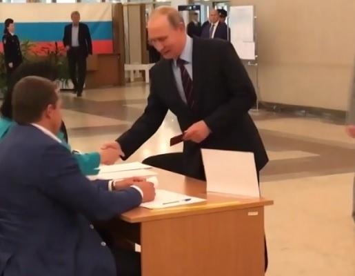 Alegeri regionale in Rusia: rusii din 82 de regiuni si-au ales guvernatorii si parlamentarii locali - VIDEO