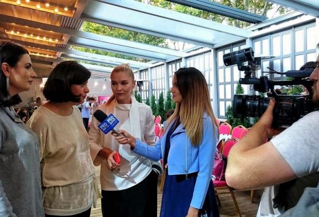 Maria Onica, nelipsita de la unul dintre cele mai tari evenimente fashion din aceasta toamna. 3 brand-uri de la noi si-au prezentat colectiile - VIDEO