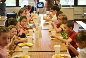 Alimentatia corecta, pentru scolari. Cum trebuie sa se hraneasca un copil, ca sa nu devina supraponderal - FOTO