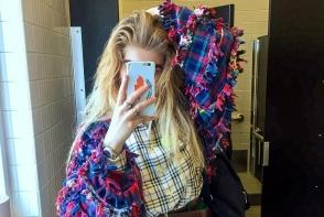 A facut senzatii pe internet lansand un nou trend cu sprancenele ei stufoase. Toti sunt socati de infatisarea tinerei - FOTO