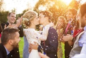 Ce sa nu faci NICIODATA la o nunta in calitate de invitat. Regulile pe care trebuie sa le respecti