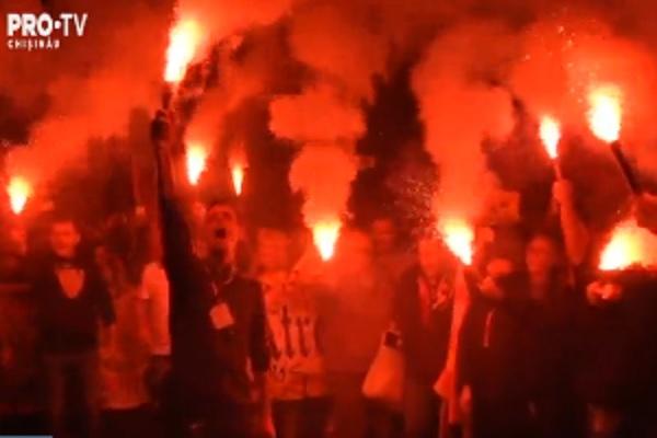 """Sute de oameni au protestat pe strazile Barcelonei impotriva referendumului pentru independenta: """"S-ar putea ajunge la un razboi"""" - VIDEO"""