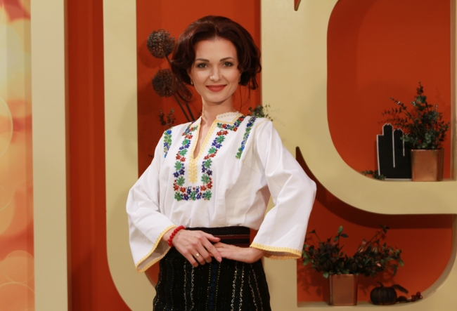 In premiera absoluta, Nicoleta Sava - Hanganu a prezentat noul videoclip. Vezi cat de frumos este, dar si cu ce artisti a colaborat interpreta - VIDEO