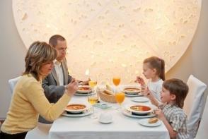 20 de reguli de bune maniere pe care fiecare copil trebuie sa le stie
