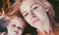 Fericire mare pentru fetita Karizmei! Imagini adorabile cu reactia Dariei la revederea bunicilor - VIDEO