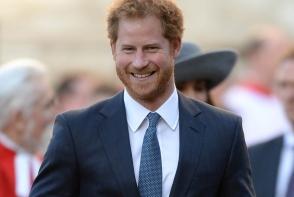 Cel mai ravnit burlac din lume si-a gasit aleasa! Printul Harry se casatoreste!