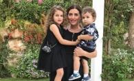 Este o fashionista inraita si se machiaza la doar 5 ani. Margarita Shor calca pe urmele mamei sale  - VIDEO