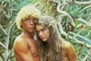 Actrita din Laguna Albastra, in lenjerie, la 52 de ani. Cum arata Brooke Shields la 37 de ani de la rolul iconic - FOTO