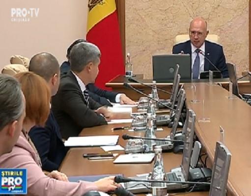 Vlad Plahotniuc si Pavel Filip s-au apucat de capul functionarilor publici. Toti ministrii si sefii de agentii vor fi evaluati - VIDEO