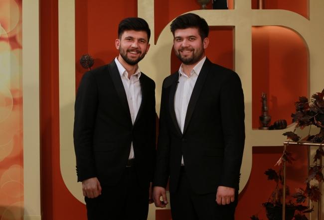 """Andrei si Alexandru Costas sunt castigatorii premiului special al juriului, la Festivalul - Concurs """"Doua inimi gemene"""". Iata duetul lor extraordinar - VIDEO"""