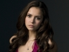 Nina Dobrev nu mai arata asa! Actrita afiseaza un look de fata rea - FOTO