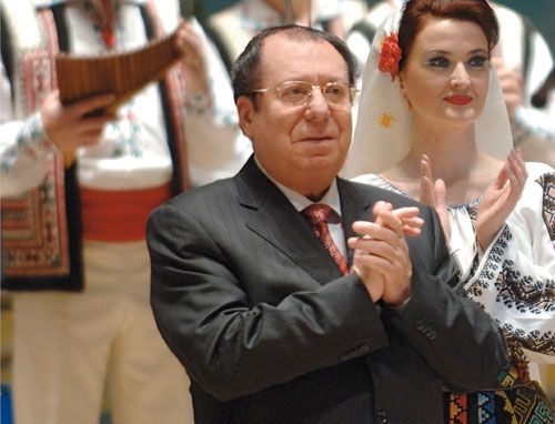 """Vladimir Curbet o stea pe cer, o stea pe pamant. Prim maestrul de balet al Ansamblului de Dansuri Populare """"Joc"""", s-a stins din viata in aceasta dimineata - VIDEO"""