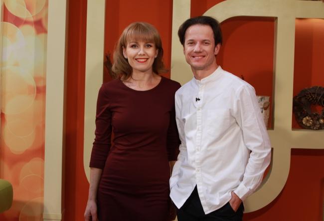 """Cel mai nou spectacol, """"Steaua fara nume"""", a umplut sala Teatrului National """"Mihai Eminescu"""". Actorii Ghenadie Gilca si Diana Decuseara au povestit despre aceasta impresionanta piesa de teatru, ce a revenit in scena dupa 20 de ani - VIDEO"""