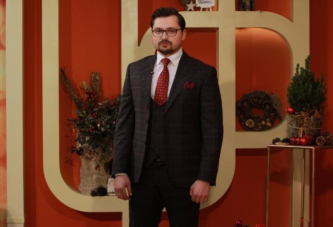 """""""Din pacate piata din Moldova nu este capabila sa produca un produs calitativ, dar barbatii au nevoie de un costum calitativ."""" Designerul Alexandru Cornitel iti spune unde poti gasi tinuta perfecta - VIDEO"""