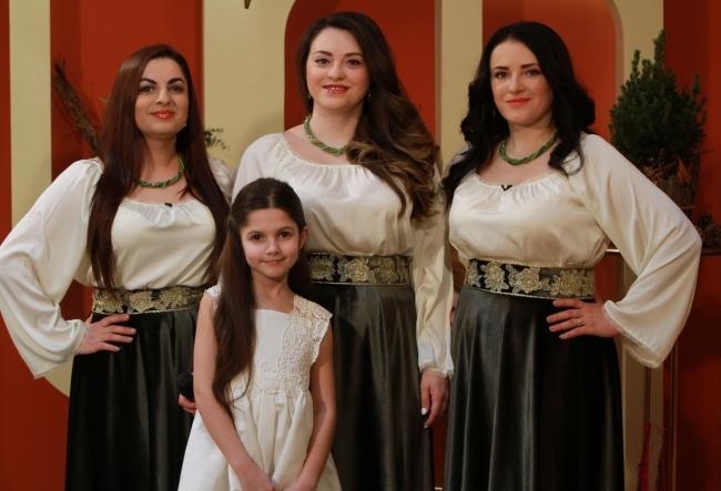 """""""Vatra Neamului"""", cel mai celebru trio feminin de la noi a lansat un videoclip spectaculos! Iata noua productie a interpretelor - VIDEO"""