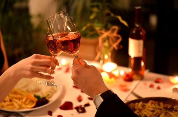Localuri din Chisinau unde poti lua o cina romantica!  Iata unde poti savura clipe de vis, intr-o atmosfera intima, alaturi de jumatatea ta - FOTO