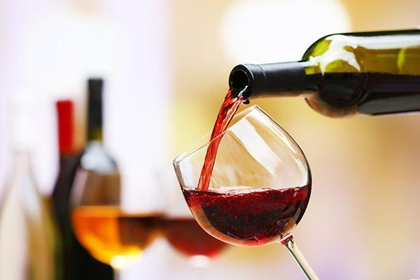 Secretele unui vin bun puse pe masa la un seminar organizat la Chisinau. Evenimentul a fost un fel de Abecedar, pentru tinerii interesati de aceasta licoare - VIDEO