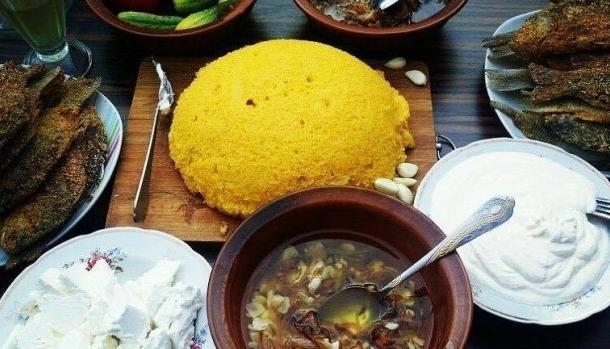 Localuri din Chisinau, cu specific traditional moldovenesc! Iata unde sa mergi, sa te rasfeti cu bucate delicioase, ca la bunica - FOTO